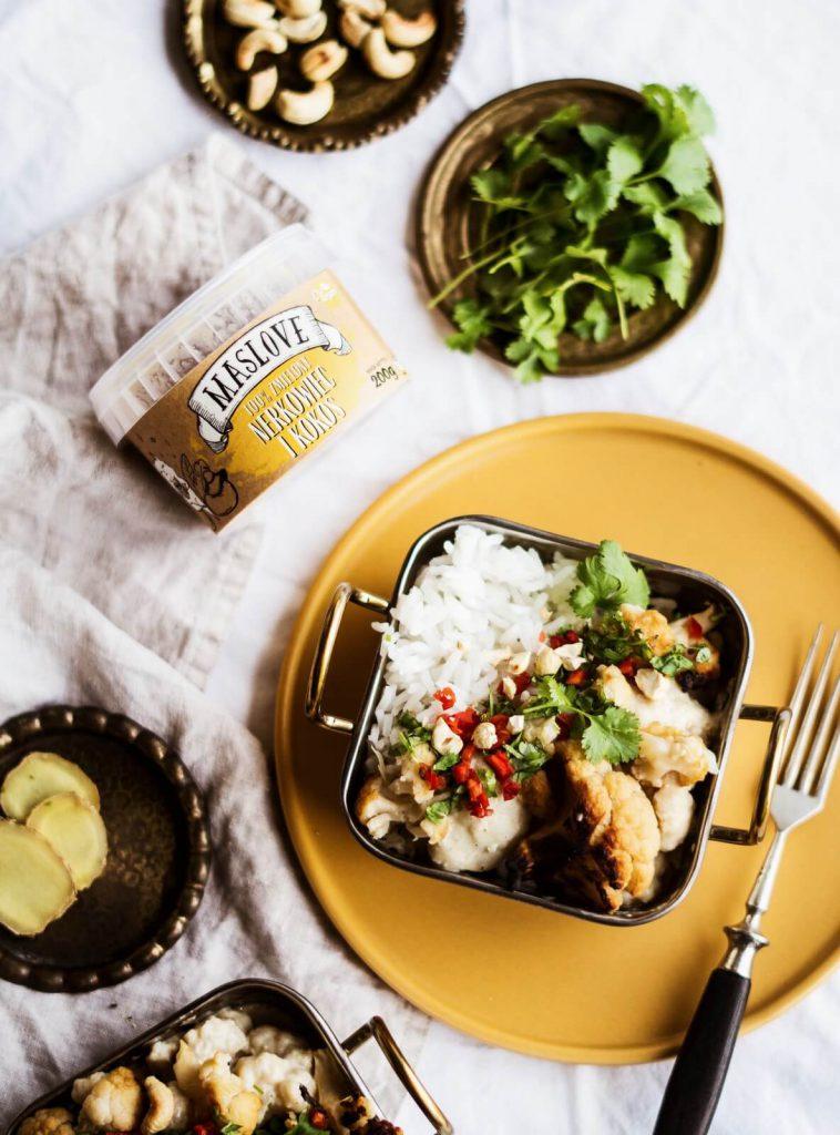 Curry wegetariańskie z masłem nerkowcowo-kokosowym