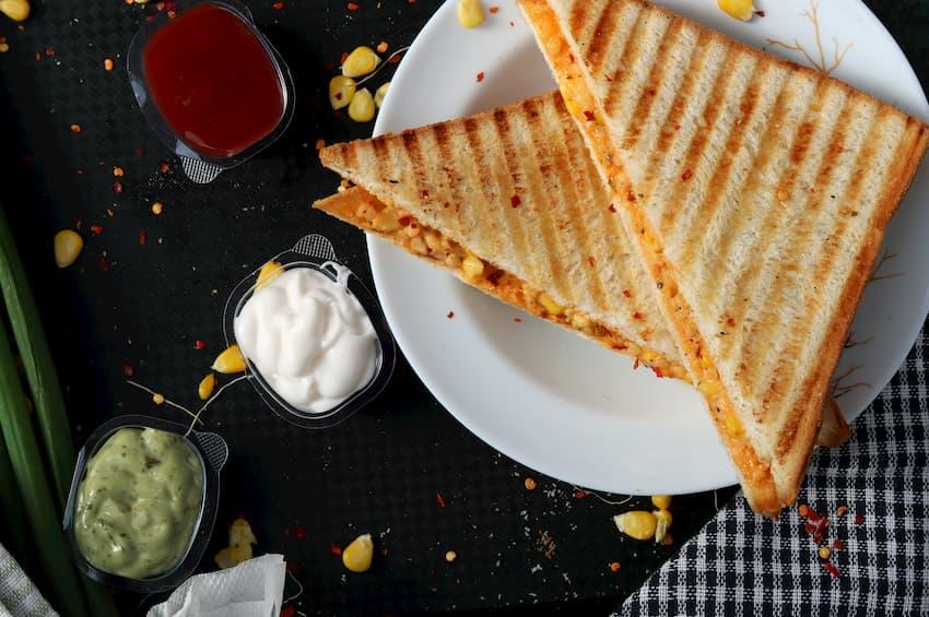 Kanapka z masłem orzechowym
