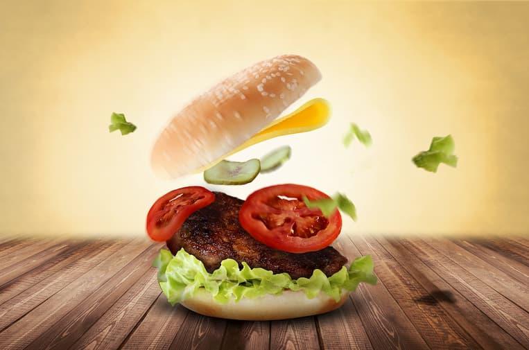 Burger z dodatkiem masla orzechowego