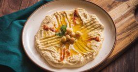 Hummus orzechowy z pieczoną dynią
